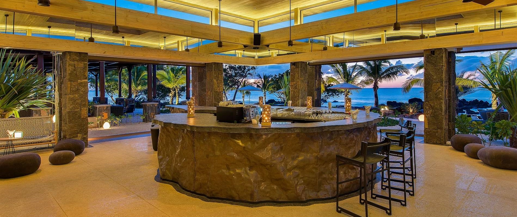 Bar and Lounge area -Mystique